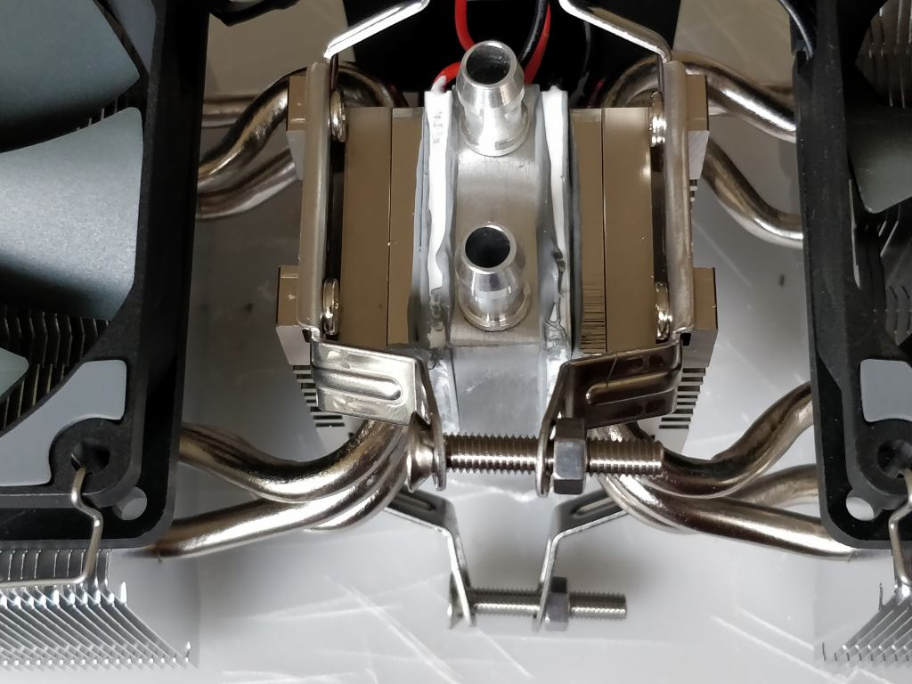 ペルチェ冷却装置
